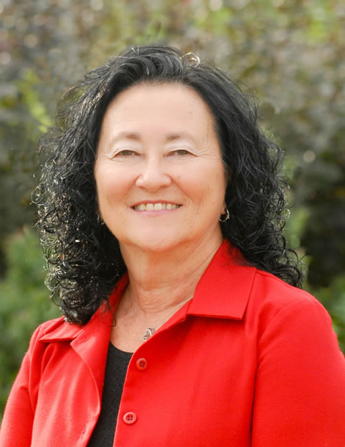 Photo of Donna Bult, Sr. Marketing Coordinator for the Dakotas Business Center